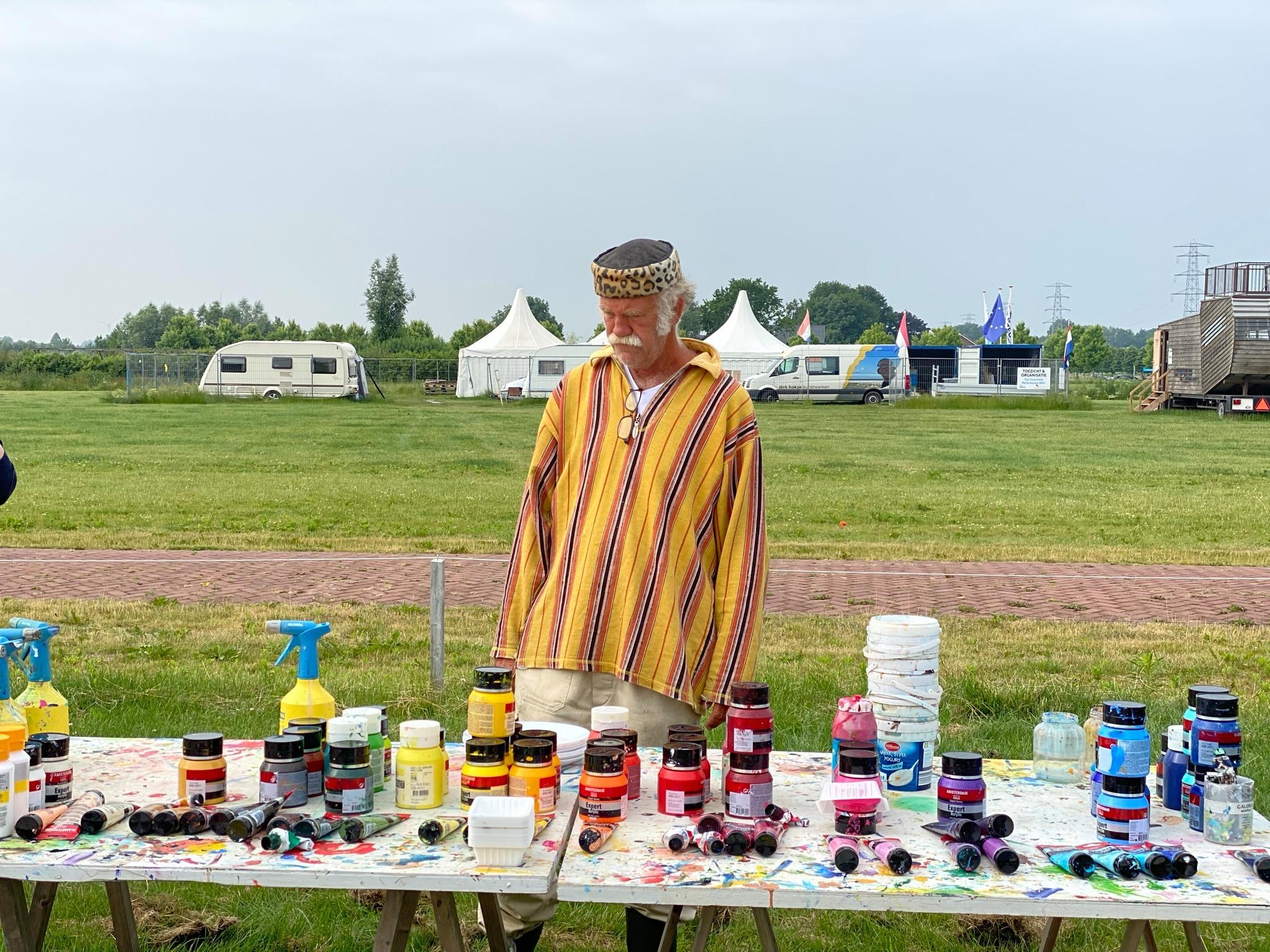 The Colorfield Performance   Dirk Hakze